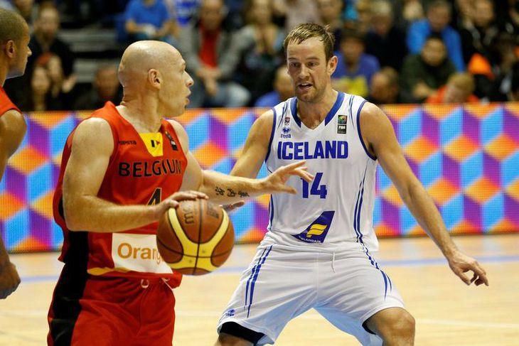 Logi Gunnarsson til varnar gegn Belgum í dag.