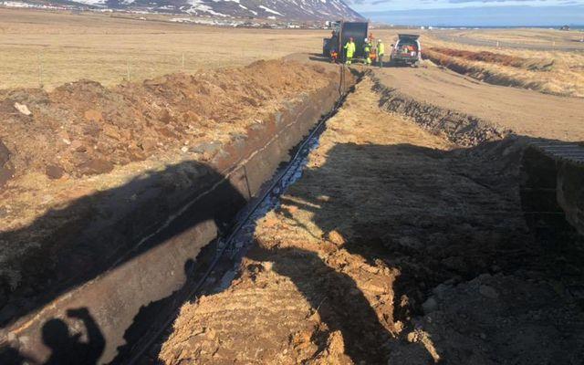 Útdráttur hafinn á 66 kv jarðstreng á milli Varmahlíðar og Sauðárkróks.