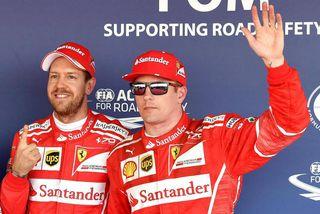 Sebastian Vettel (t.h.) og Kimi Räikkönen voru í sérflokki á lokaæfingunni í Mónakó.