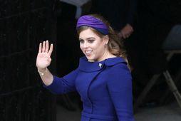 Beatrice prinsessa er trúlofuð en vandræði föður hennar hafa sett strik í reikninginn.