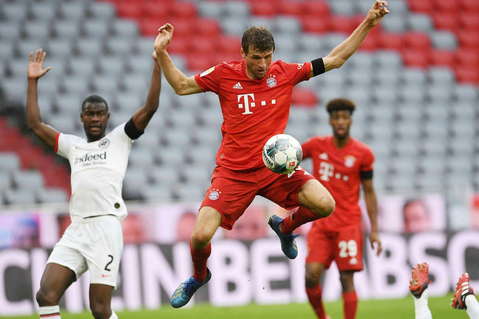 Thomas Müller skoraði annað mark Bayern.