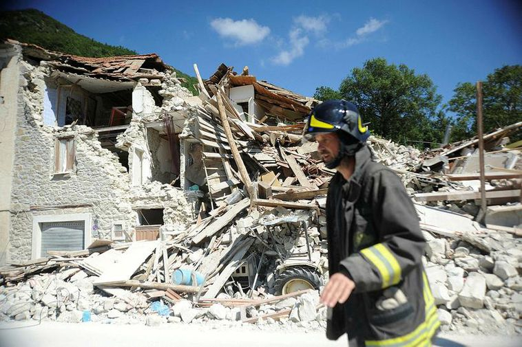 Over 250 killed as massive quake hits central Italy