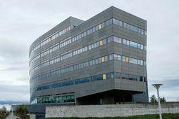 Orkuveita Reykjavíkur var í gær dæmt til að greiða Glitni Holdco. 747,3 milljónir króna.
