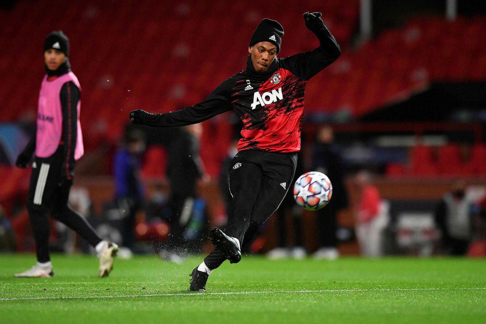 Martial spilar fyrir Manchester United í ensku úrvalsdeildinni.