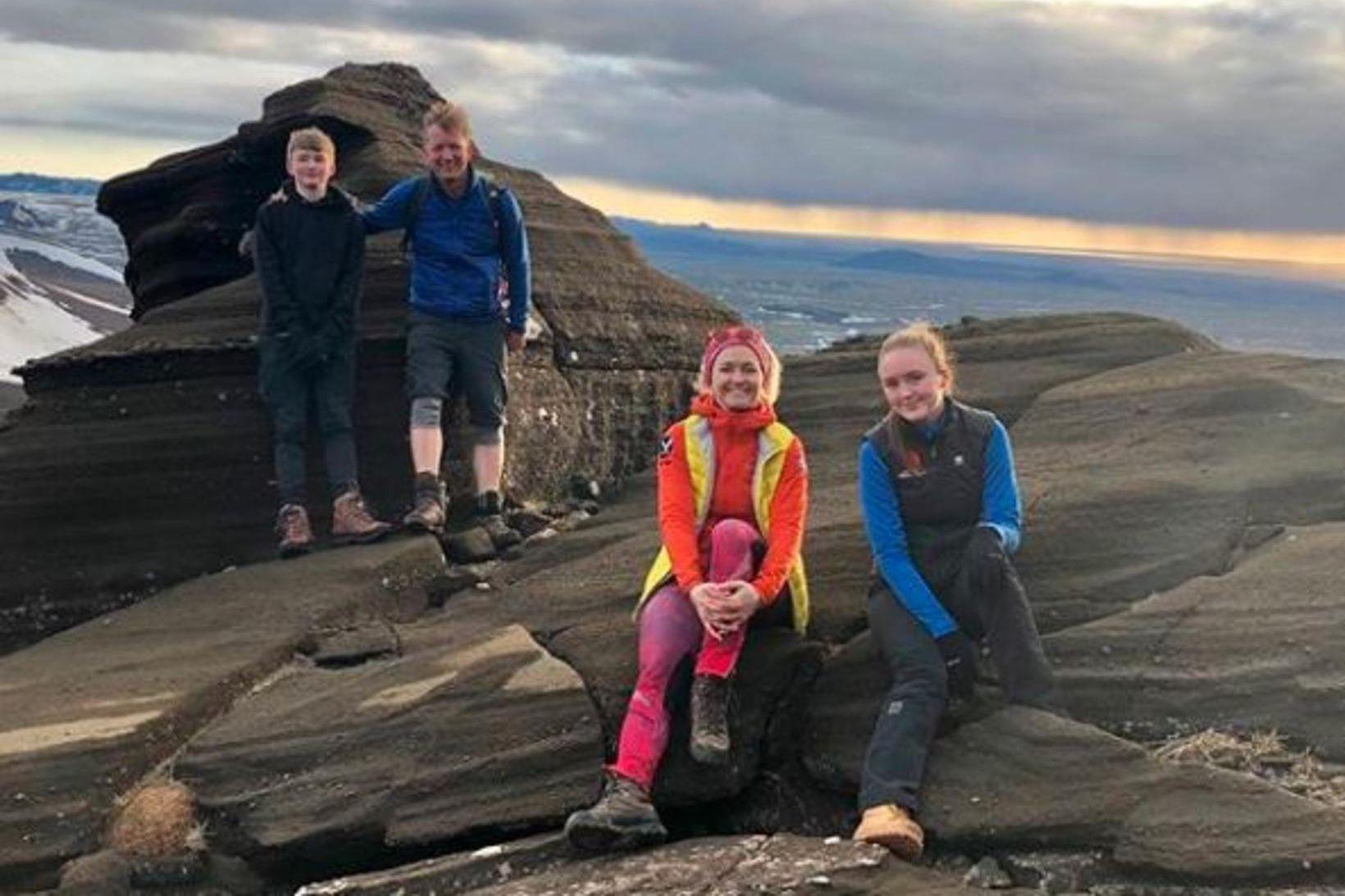 Íslendingar eru duglegir að vera úti um þessar mundir.