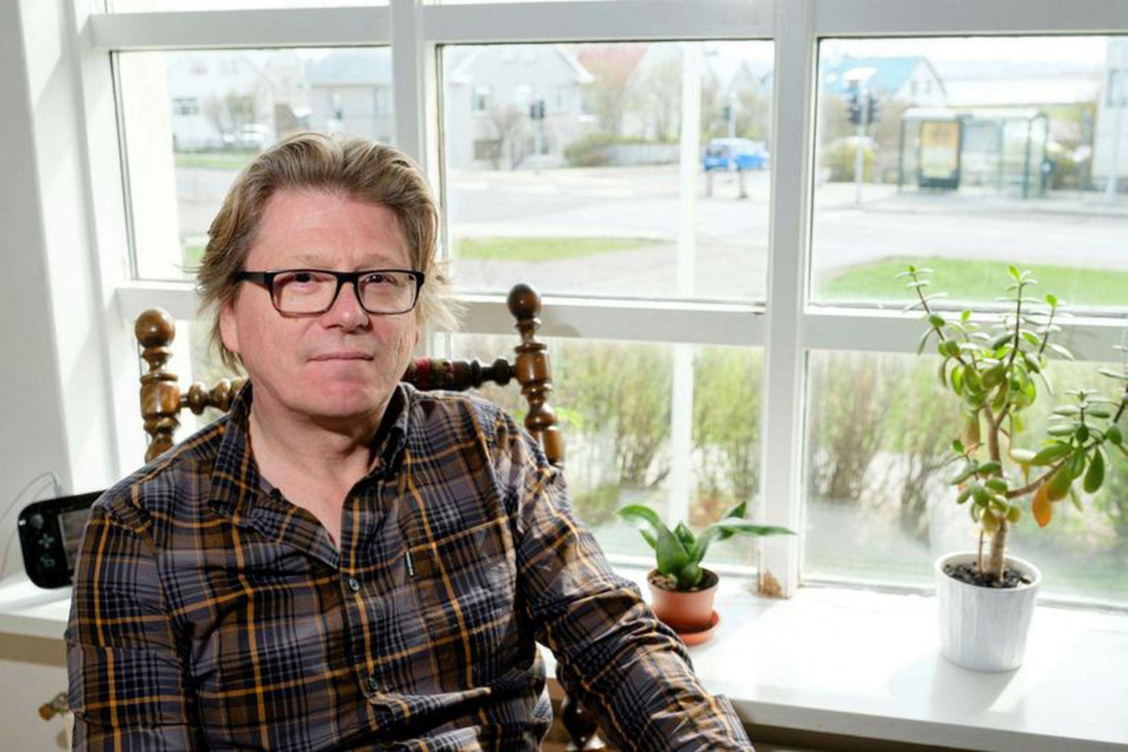 Eiríkur Bergmann, stjórnmálafræðingur, segir að niðurstöður nýafstaðinna Evrópuþingkosninga sýni að …