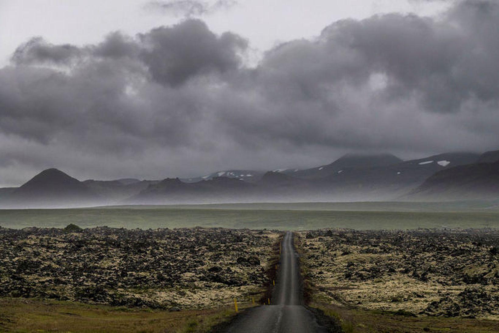 Á norðanverðu Snæfellsnesi verður vindur byljóttur og hviður allt að …