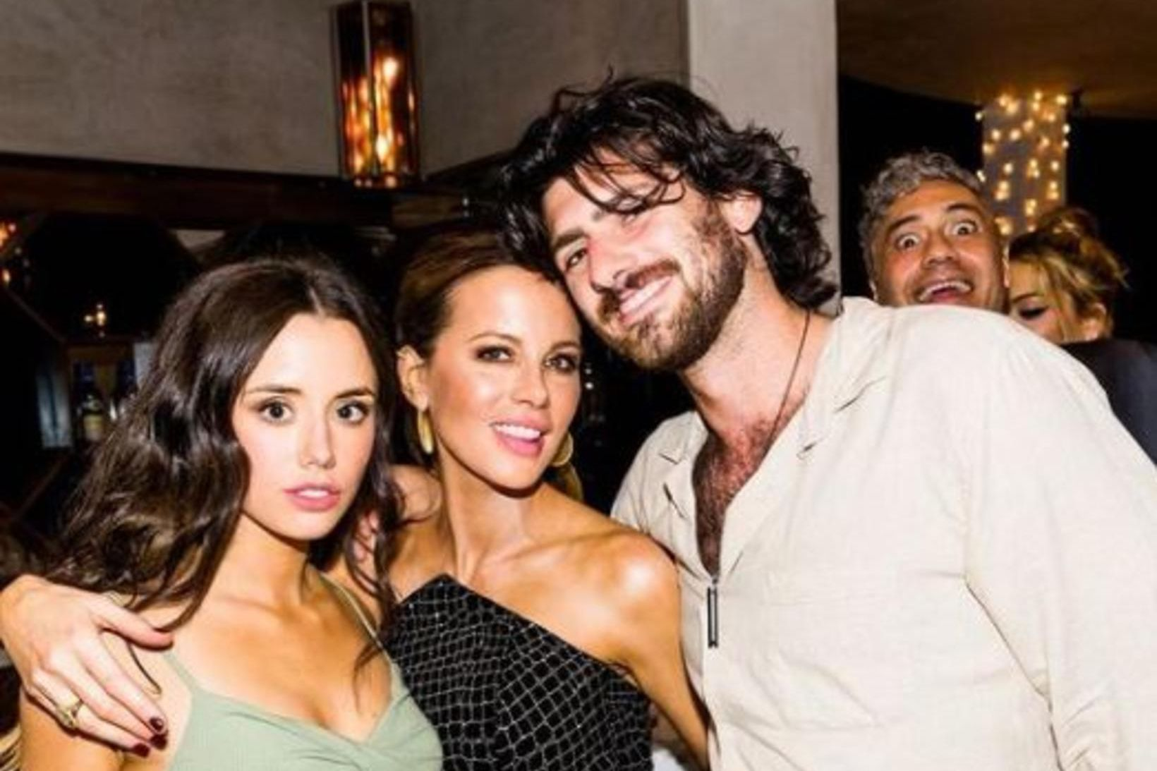 Lily Sheen, Kate Beckinsale og kærasti Sheen, David Schechter