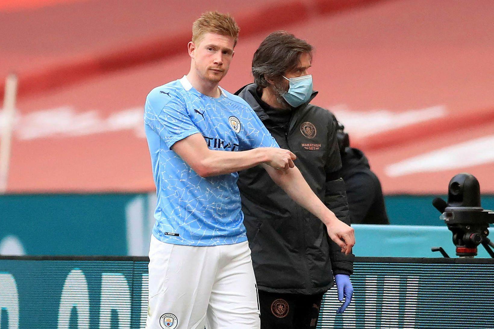 Kevin de Bruyne fór meiddur af velli á Wembley um …