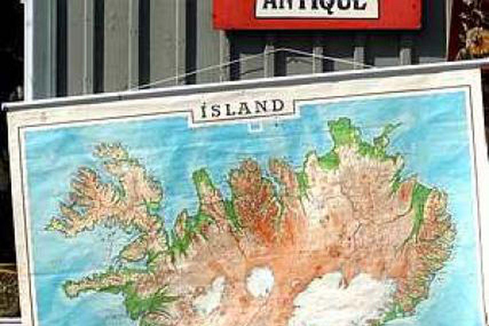 Á Íslandi eru lífskjörin mikil, veðrið misjafnt og verðlagið hátt.