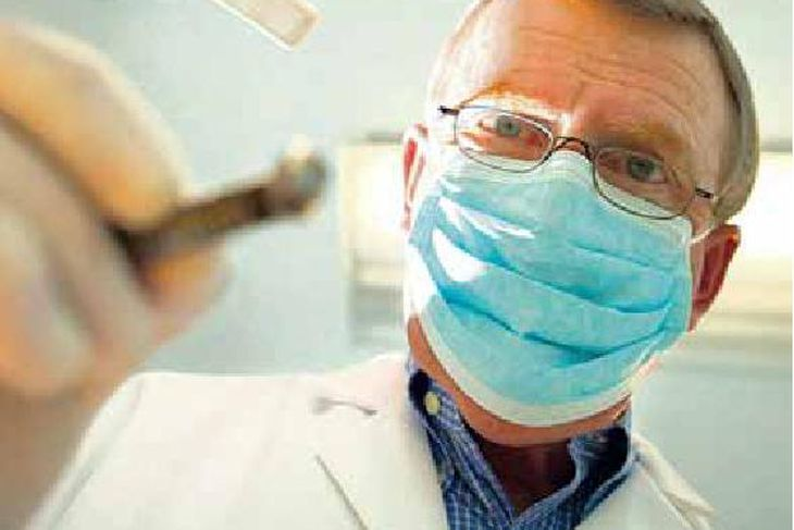 Um helmingur fólks eldra en 67 ára fór til tannlæknis ...