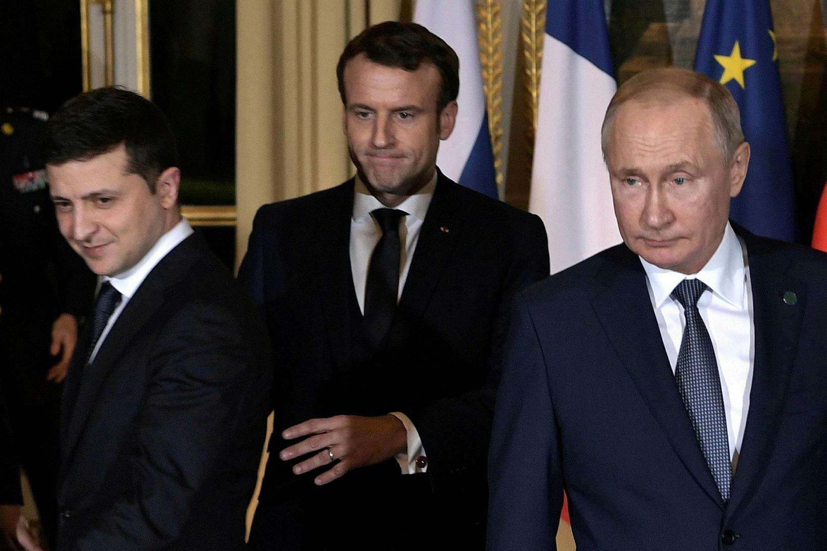 Frá vinstri: Volodymyr Zelensky, Emmanuel Macron og Pútín í París.