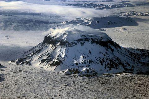 Earthquakes at Mt.Herðubreið are not unusual.