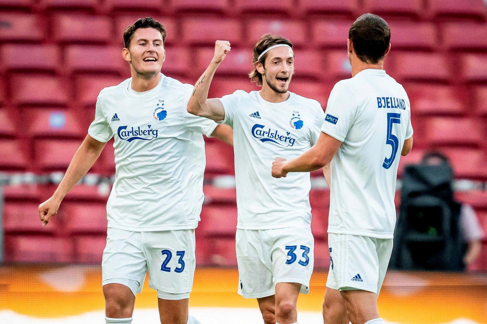 Leikmenn FC Köbenhavn fagna eftir að hafa slegið út Istanbúl …