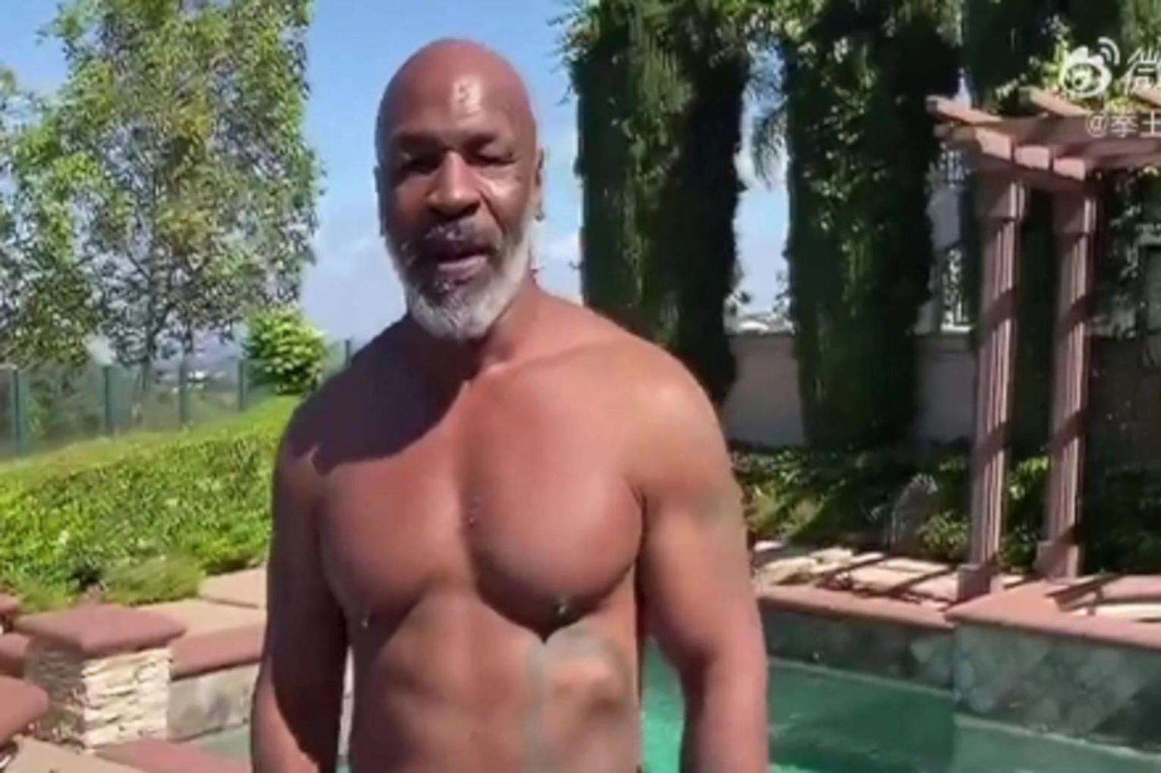 Hnefaleikakempan Mike Tyson er kominn í gott form fyrir bardagann …