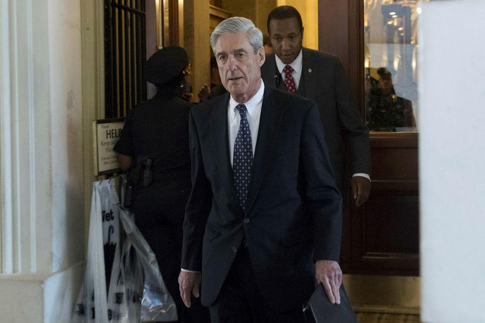 Robert Mueller, sérstakur saksóknari í rannsókn á afskiptum Rússa af …