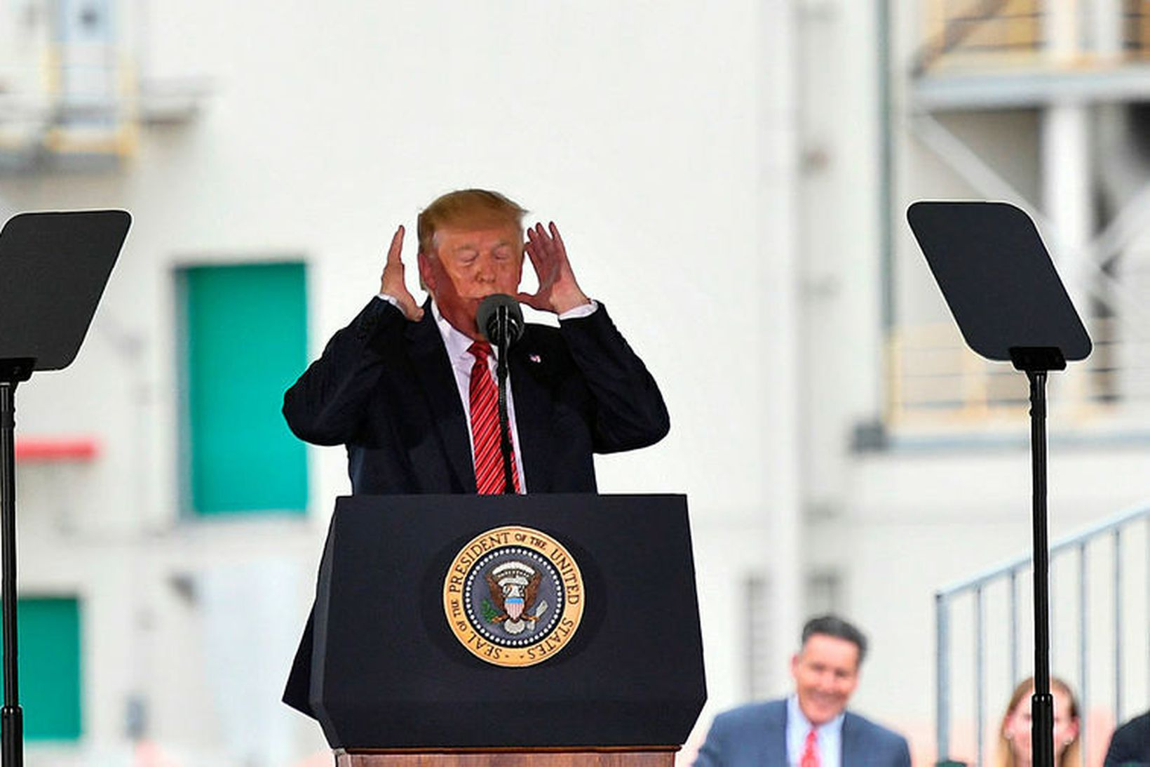 Donald Trump Bandaríkjaforseti. Fulltrúadeild Bandaríkjaþings samþykkti í dag að gefa …