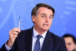 Bolsonaro mundar Bic-penna fyrr í mánuðinum. Myndin var, merkilegt nokk, ekki tekin í tengslum við …
