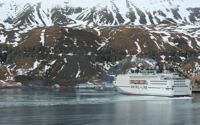 Farþegaskipið Norræna á Seyðisfirði.