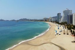 Strendur Acapulco í Mexíkó eru eyðilegar þessa dagana.