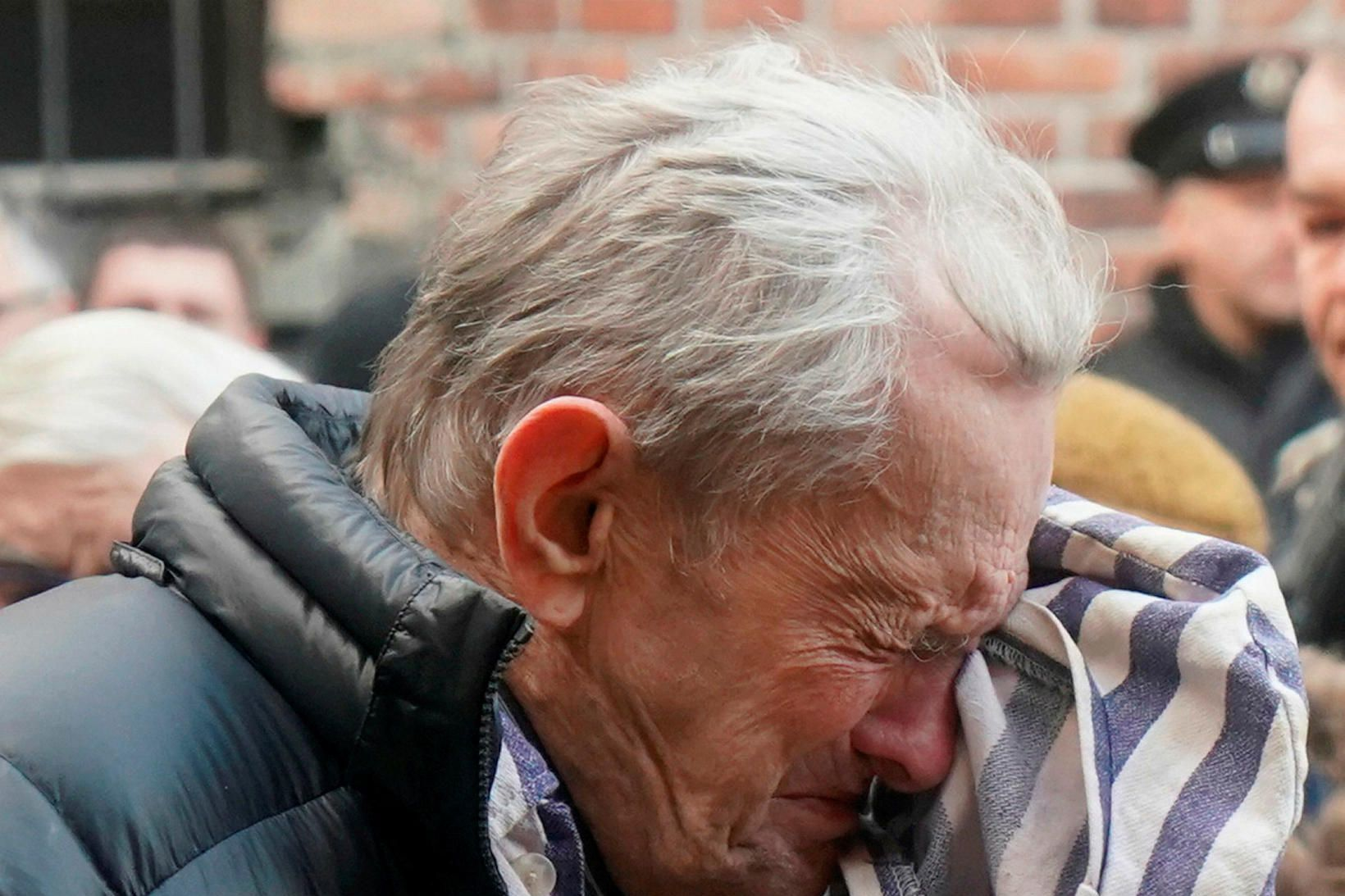Eftirlifendur helfararinnar komu saman í Auschwitz í dag.