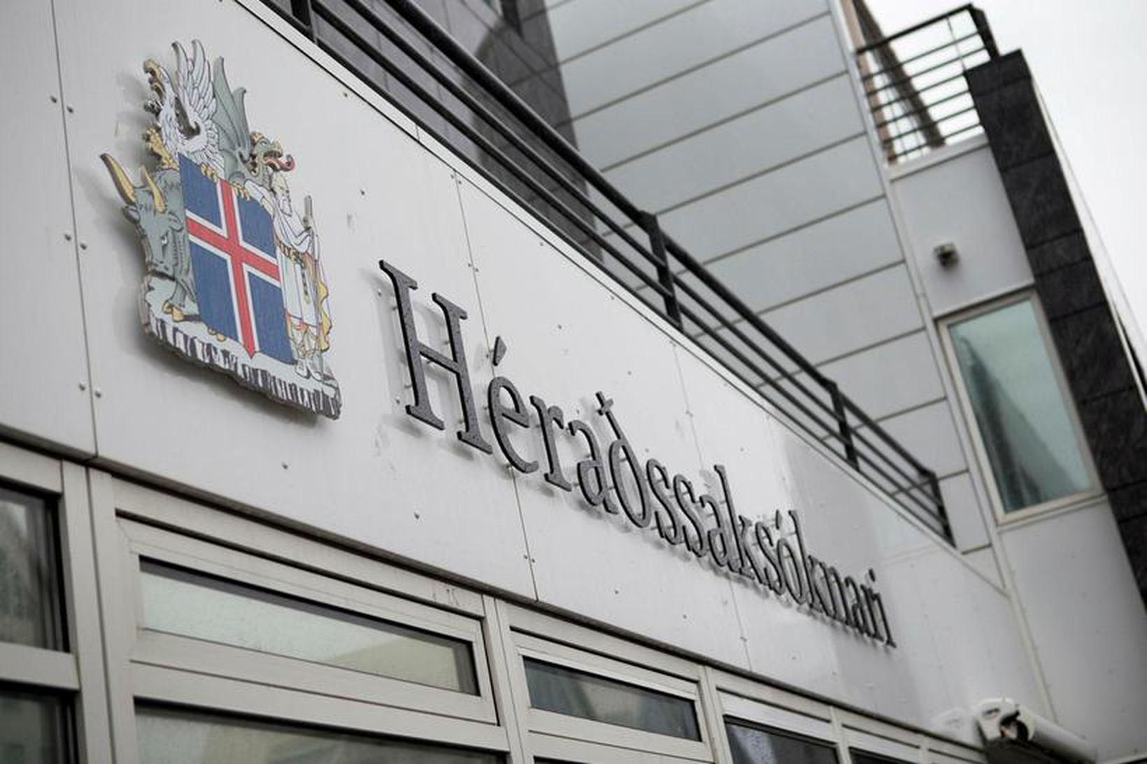 Embætti héraðssaksóknara gefur út ákæru í málinu.