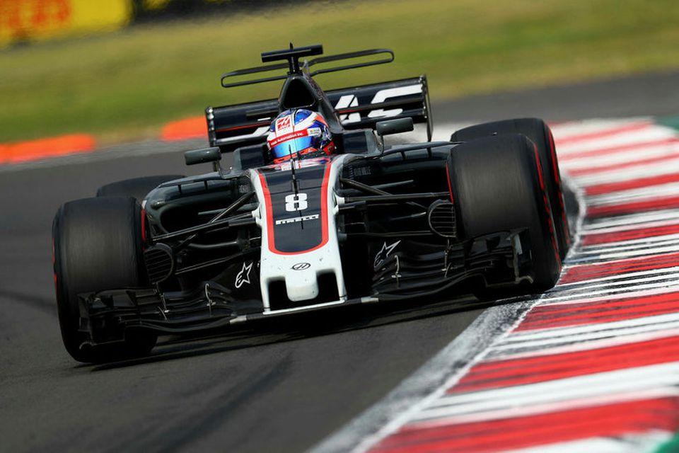 Frakkinn Romain Grosjean á ferð á Haas-bílnum í síðasta kappakstri í formúlu-1, í Mexíkó.
