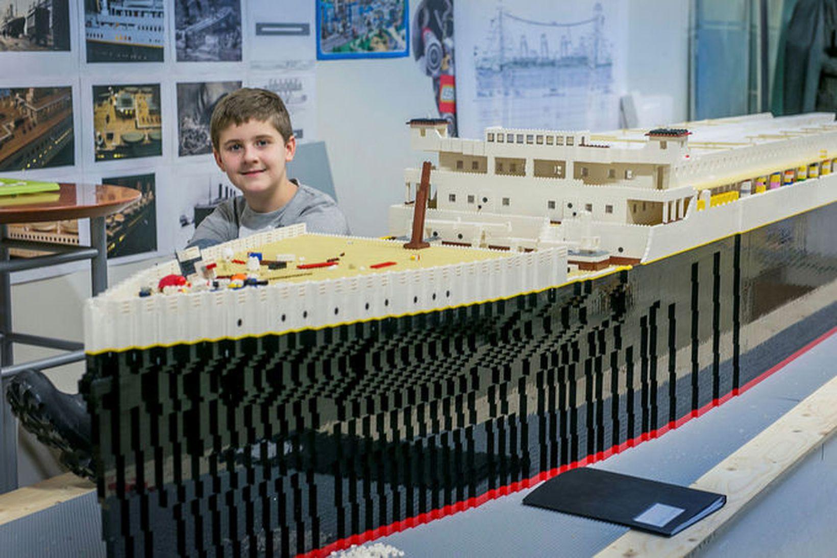 Brynjar Karl var 10 ára þegar hann byggði Titanic úr …