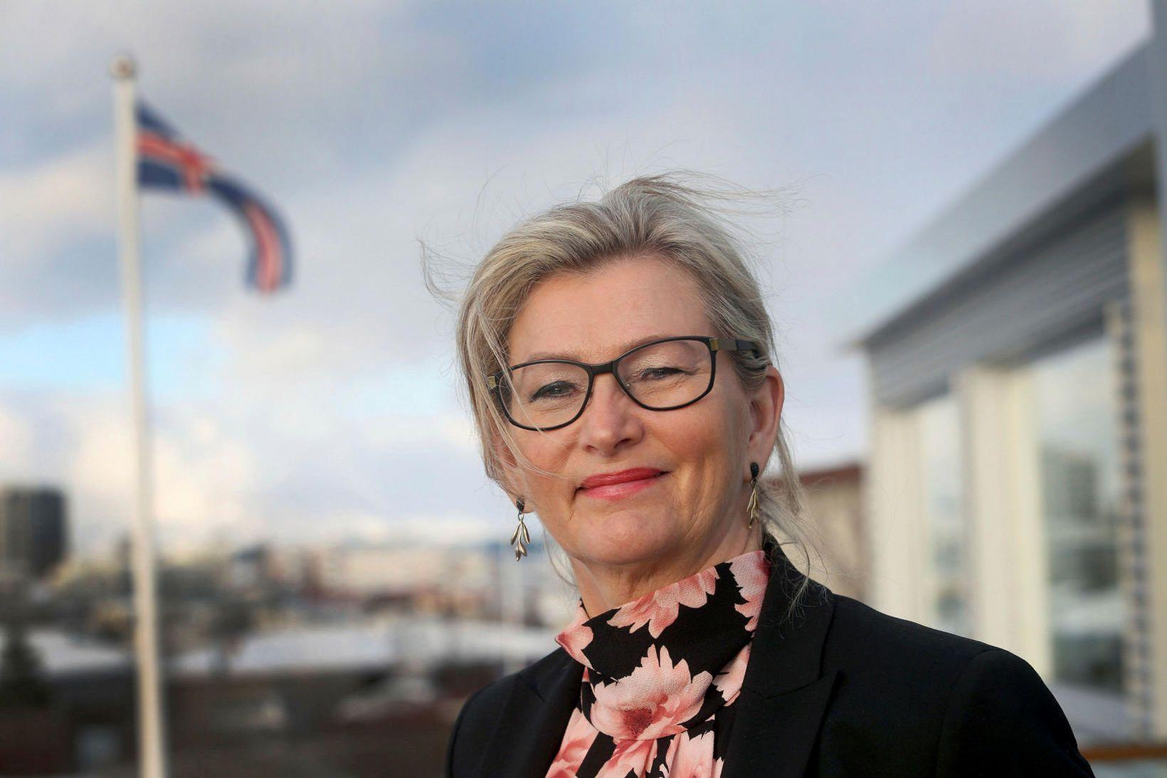Alma D. Möller landlæknir bendir á að það liggi ekki …