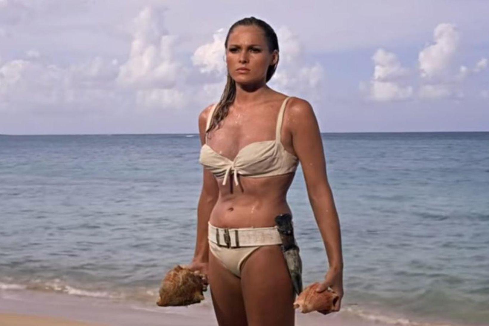 Ursula Andress í bikiníinu fræga í Bond-myndinni Dr. No.