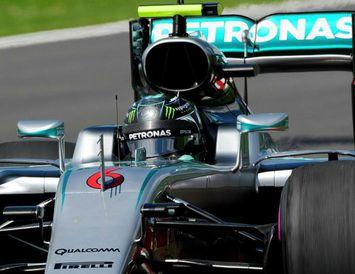 Nico Rosberg á ferð í Spielberg í Austurríki í dag.