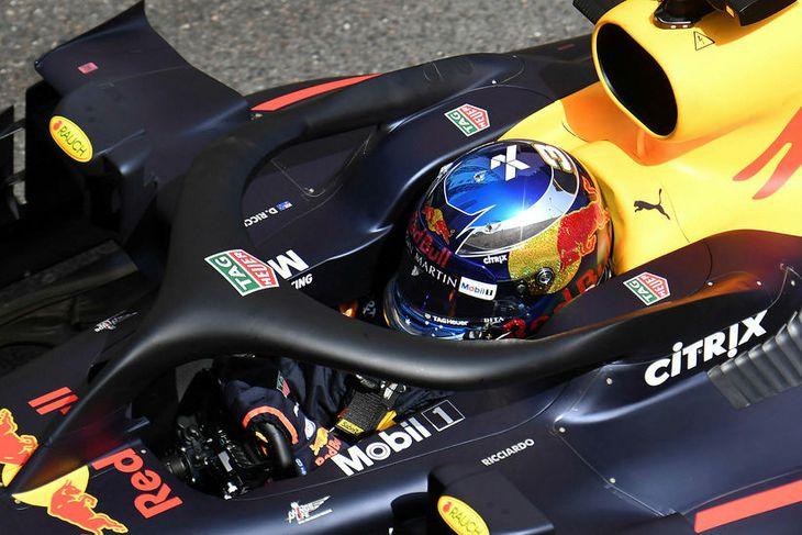 Daniel Ricciardo á ferð í tímatökunni í Mónakó.