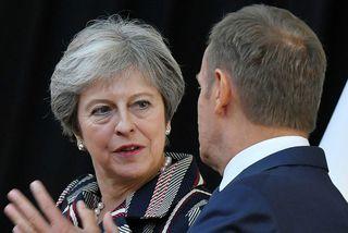 Theresa May, forsætisráðherra Bretlands, ræðir hér við Donald Tusk, forseti leiðtogaráðs Evrópusambandsins.