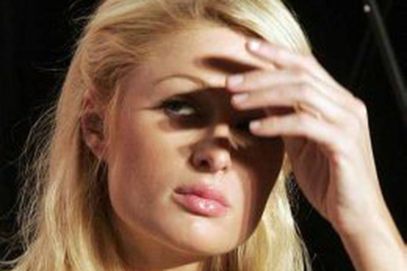 Paris Hilton getur nú óhrædd gert skandala án þess að …