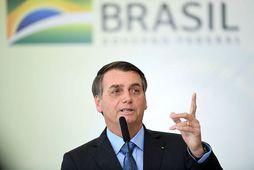 Jair Bolsonaro, forseti Brasilíu, segir stjórnvöld ekki ráða við ástandið.