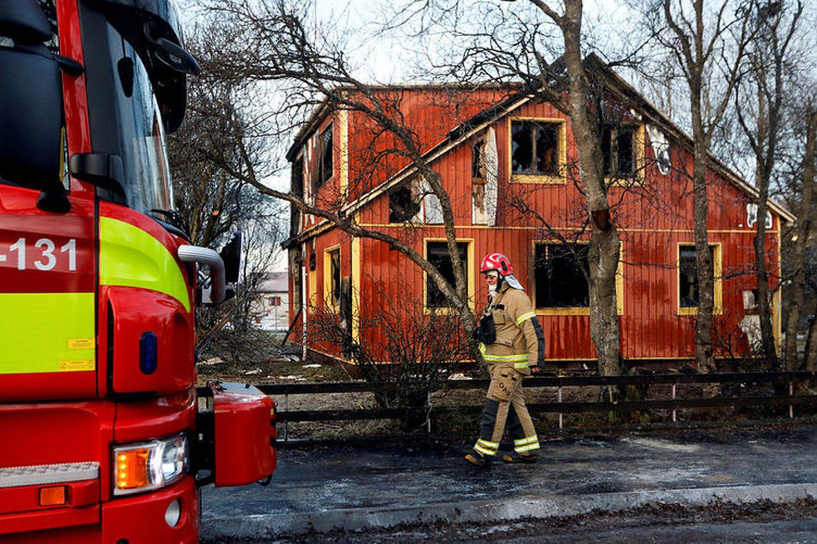 Frá Kirkjuvegi á Selfossi, daginn eftir að eldur kom upp …