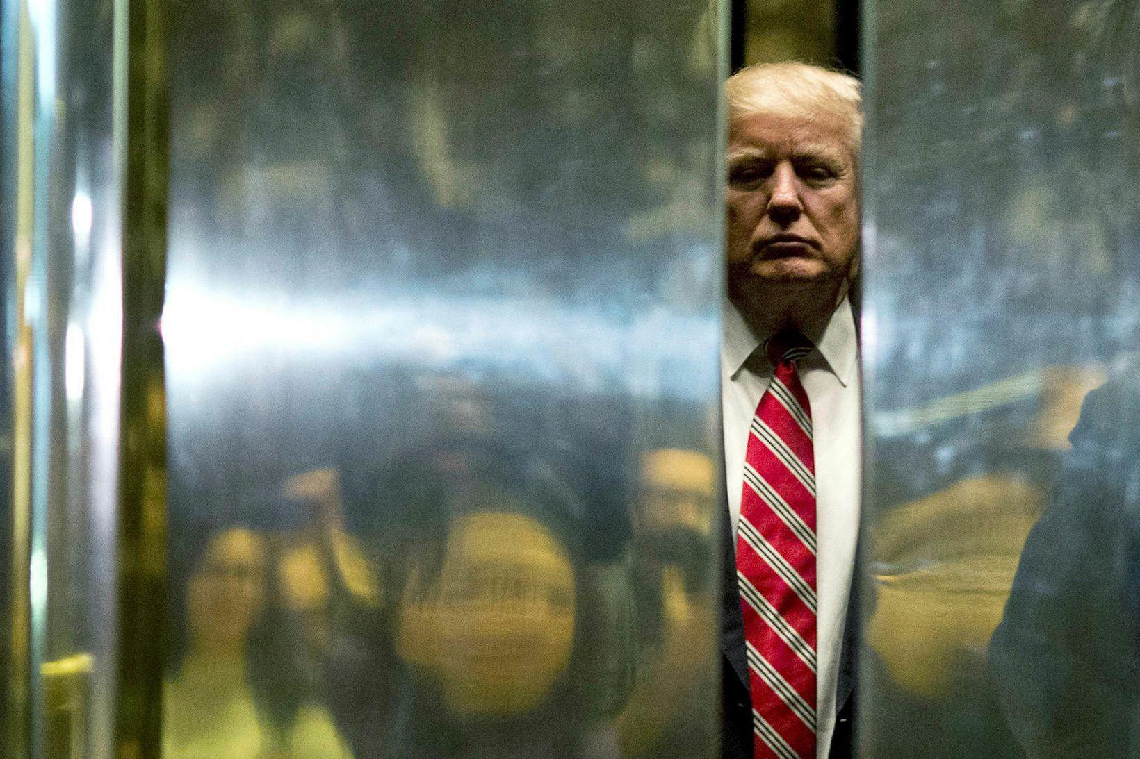Þeim, sem íhuga dauða sinn, líkar betur við Donald Trump, …