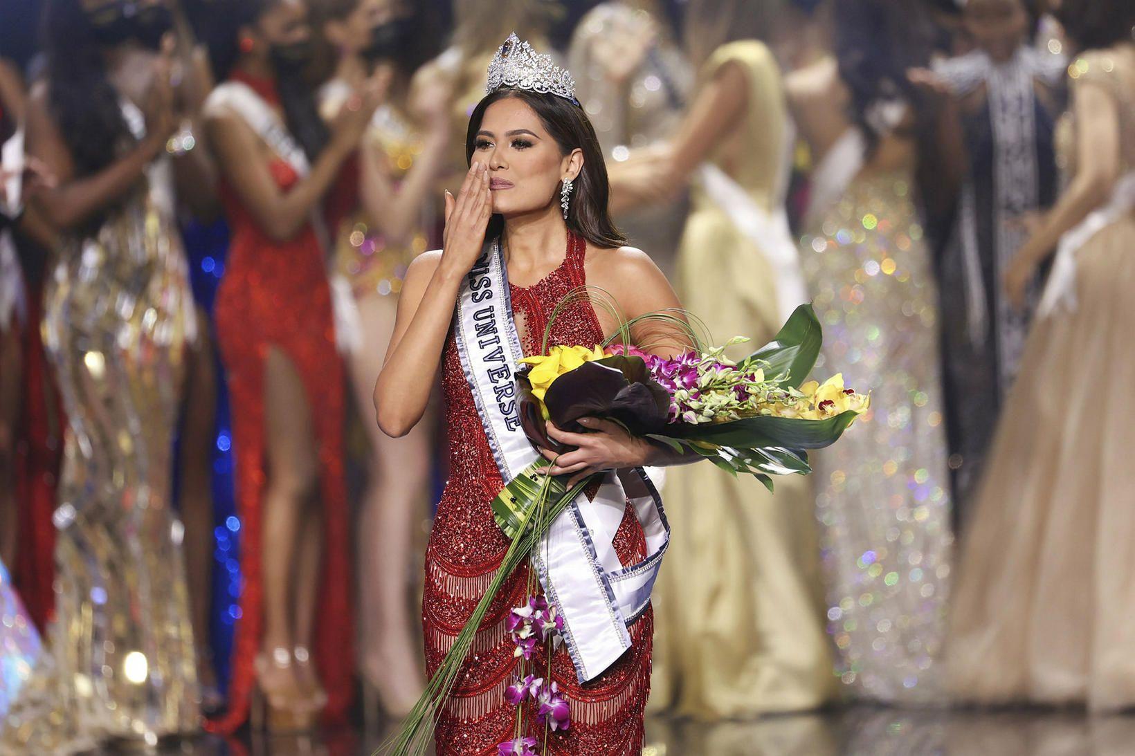 Andrea Meza frá Mexíkó var Miss universe.