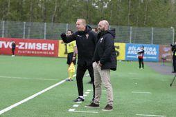 Arnar Gunnlaugsson á hliðarlínunni í dag.