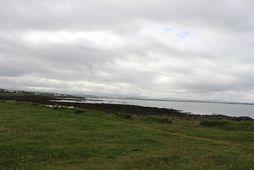 Mælingar frá 14. júlí sýndu magn saurkólígerla í Nauthólsvík vera 99/100 í 100 millilítrum og …