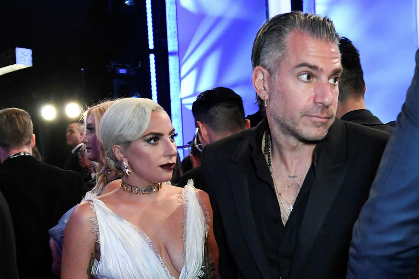 Lady Gaga og Christian Carino hættu saman fyrir Valentínusardaginn í …
