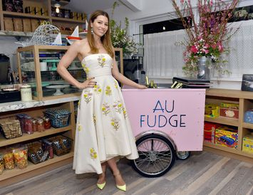 Jessica Biel lokar veitingastað sínum Au Fudge eftir brösugan rekstur síðustu tvö ár.