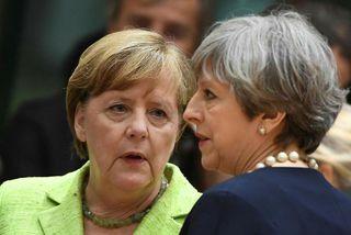 Angela Merkel, kanslari Þýskalands, og Theresa May, forsætisráðherra Bretlands, á fundi leiðtogaráðs ESB í dag.