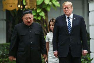 Kim Jong-un og Donald Trump í Hanói í febrúar. Nú fer hann á annars fund ...
