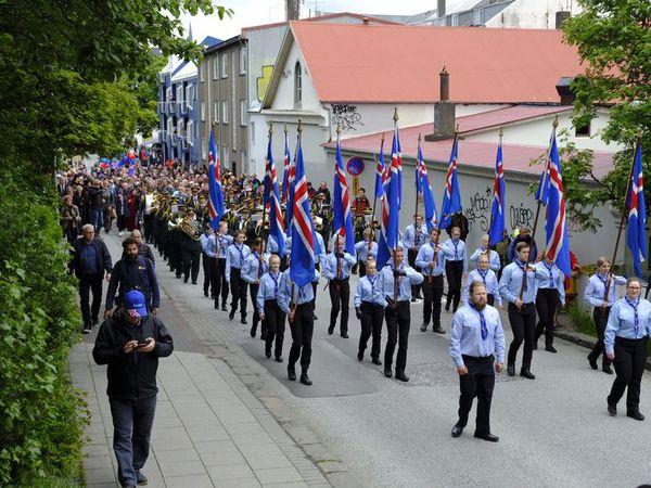 Skrúðganga í Reykjavíkurborg í dag.