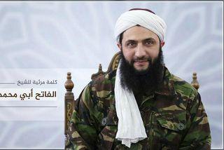 Abu Mohammad al-Julani, forsvarsmaður samtakana tillkynnir klofninginn frá al-kaída.