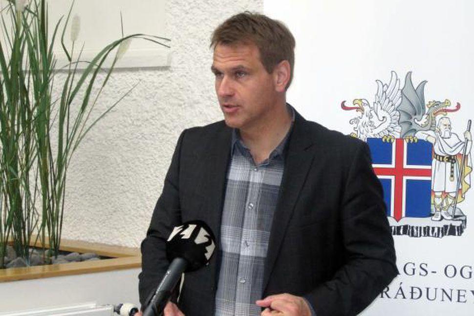 Árni Páll Árnason, efnahags- og viðskiptaráðherra.