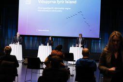 Blaðamannafundur ríkisstjórnarinnar í Hörpu. Sigurður Ingi Jóhannsson, Katrín Jakobsdóttir og Bjarni Benediktsson.
