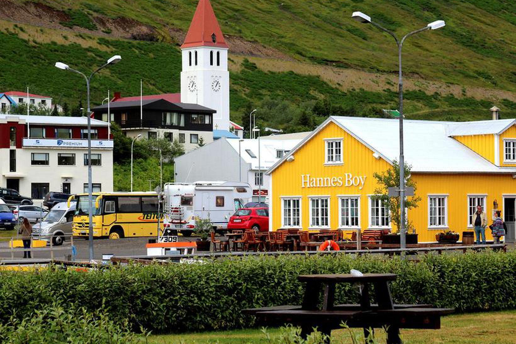 Stærsti skjálftinn í dag var 5,6 að stærð og voru …