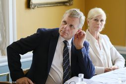 Jón Gunnarsson, samgöngu- og sveitarstjórnarráðherra, kynnti skýrslu um öryggishlutverk Reykjavíkurflugvallar í dag.